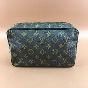 Preowned Louis Vuitton Trousse Toilette 23
